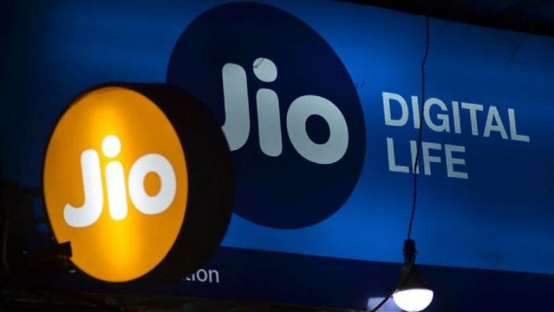 Telco bailout will be contempt of Supreme Court: Jio to Ravi Shankar Prasad