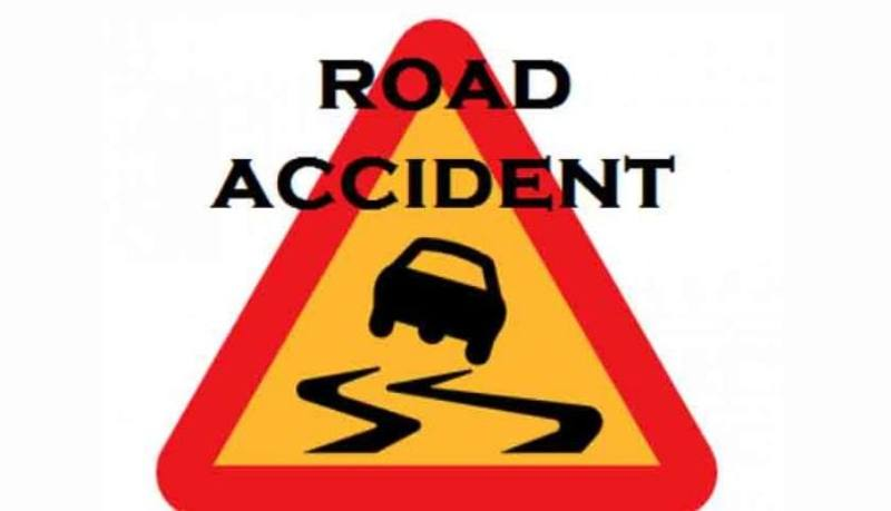 Six injured in a road mishap near Demow in Gajali
