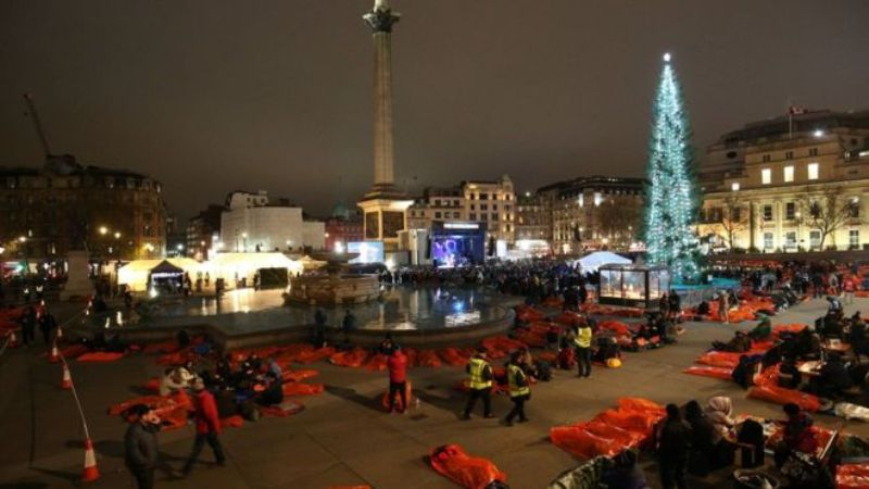 Thousands in UK sleep out to support homelessness