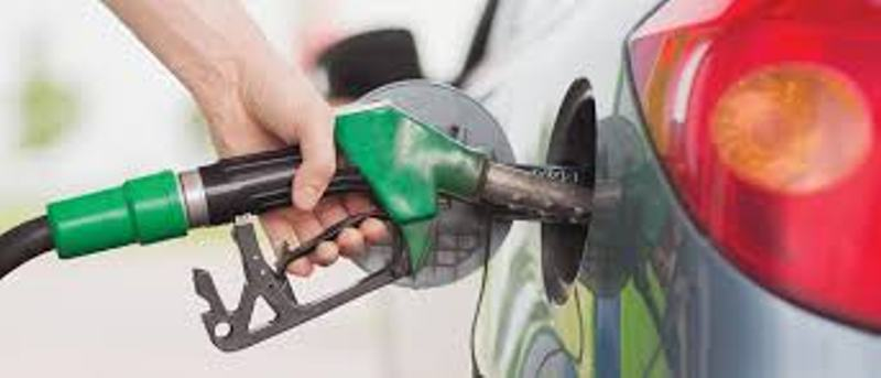 Government mulling premium on petrol, diesel prices on BS-VI switchover