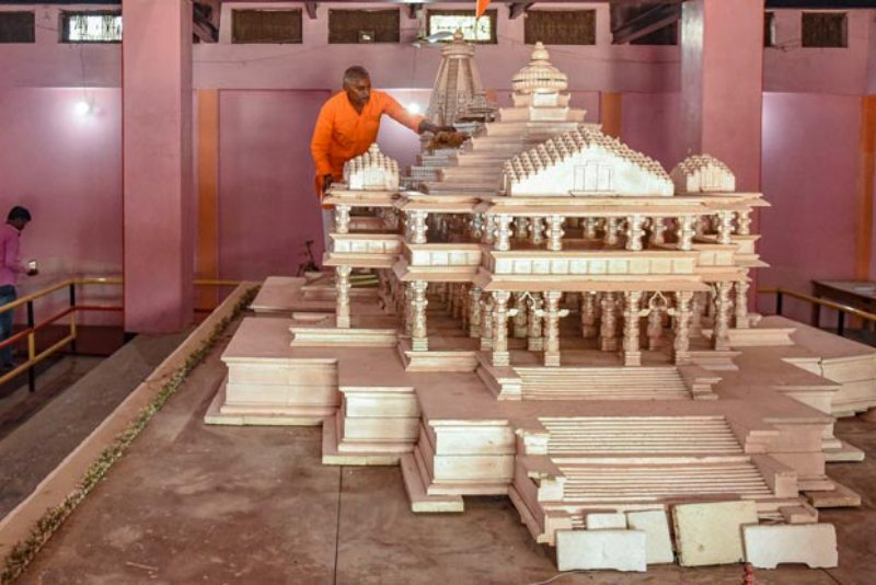 Seers differ over Ram Temple Model