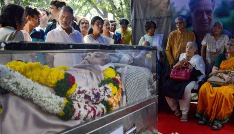 Shreeram Lagoo cremated with full state honours