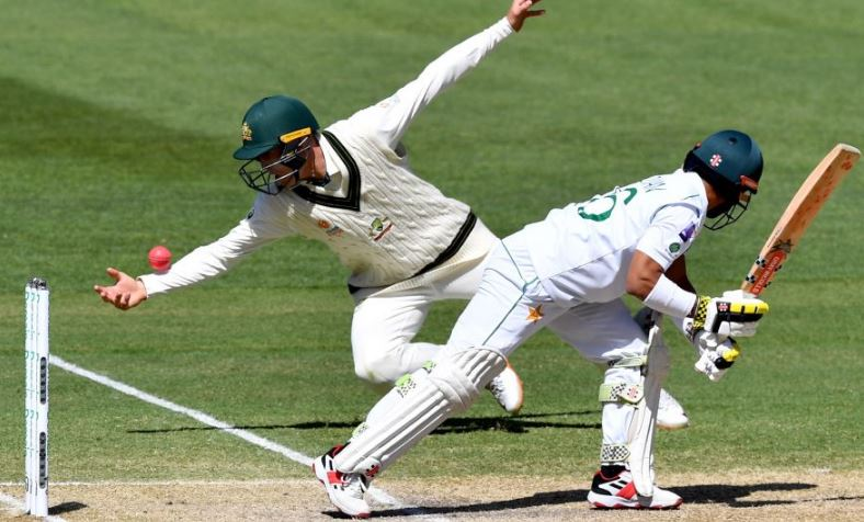 Australia thrash Pakistan by innings and 48 runs, clinch series