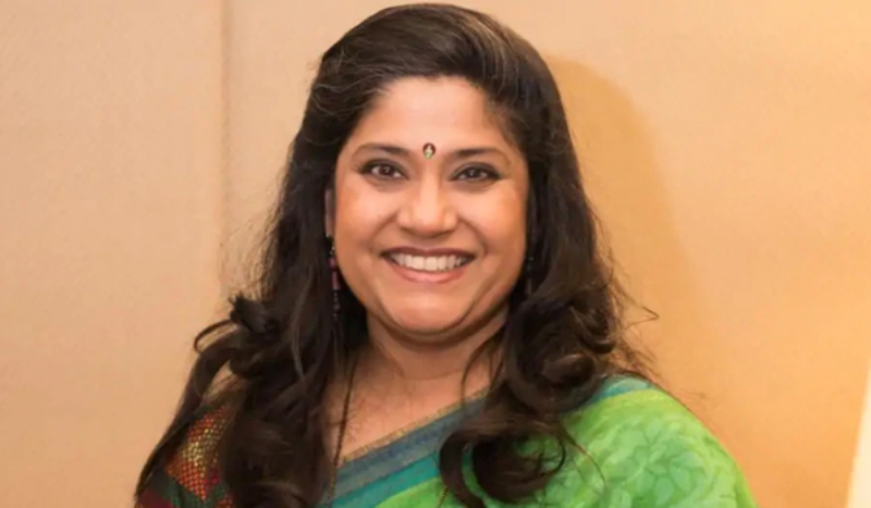 "Renuka Shahane corrects troll who calls her a ""damn actress"""