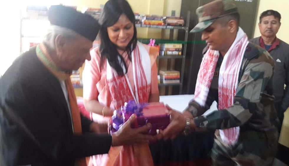 Red Horns Division Army donates books to Goalpara library