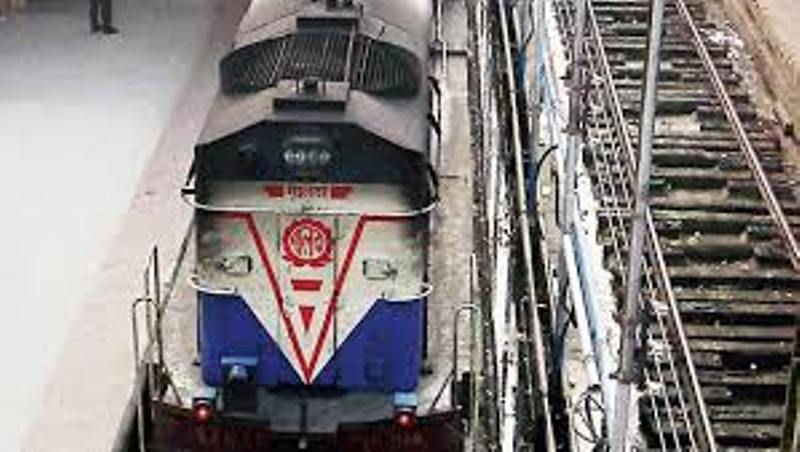 COVID-19: Ministry of Railways cancelled Passenger train services