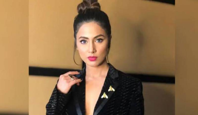 'Horrified to hear cyber harassment stories' Says Hina Khan