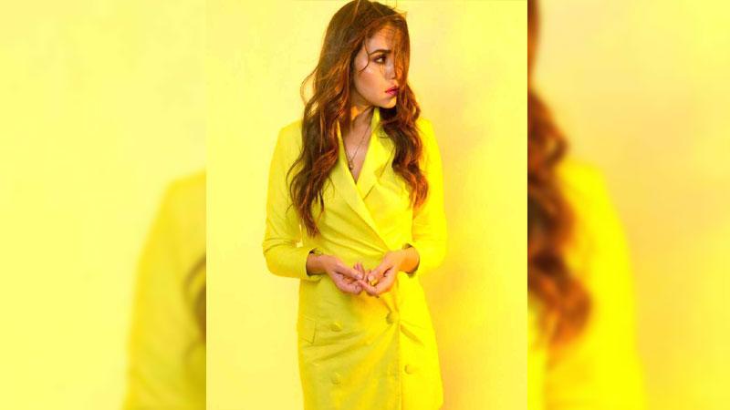 Amruta Khanvilkar shines bright in yellow