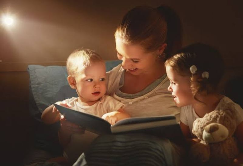 5 ways to make your bedtime stories magical