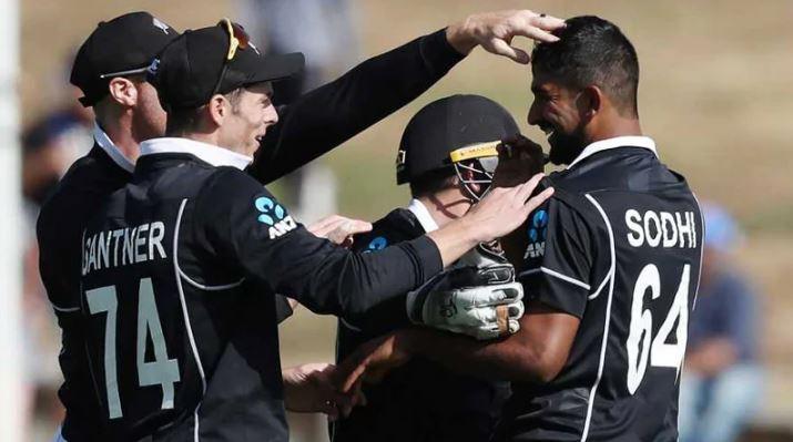 New Zealand put India to bat in third ODI