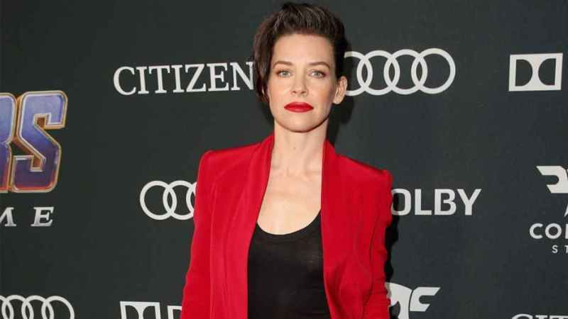 Actress Evangeline Lilly apologises for COVID-19 comments
