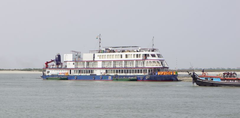 Foreign tourists in MV Mahabahu test negative for novel coronavirus