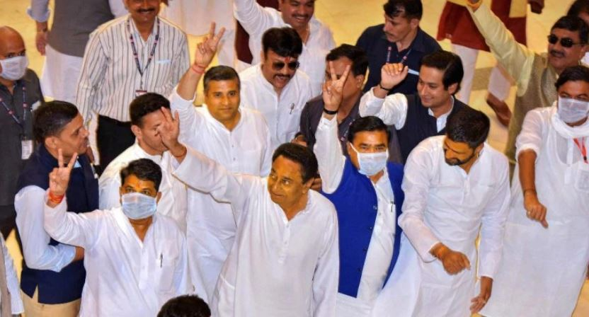 Supreme Court orders floor test in Madhya Pradesh Assembly today