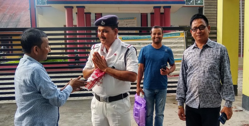 Businessmen offer Rongali Bihu greetings to Darrang police personnel