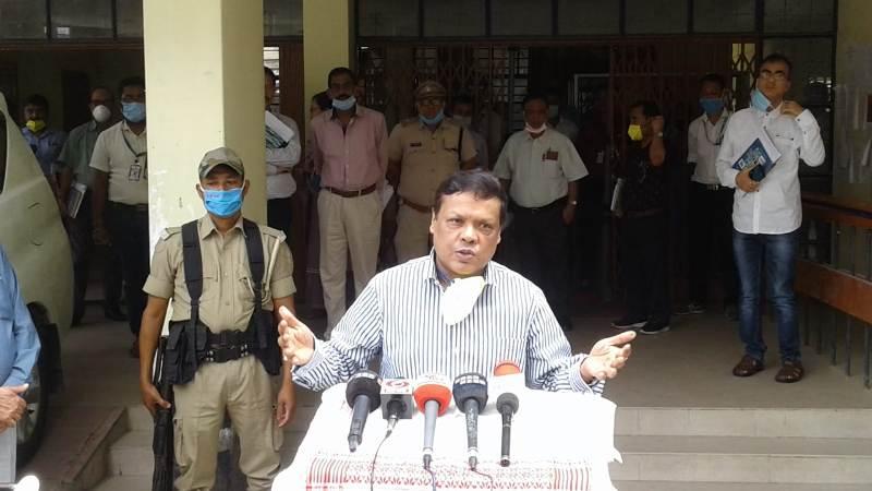 Chief Secretary Kumar Sanjay Krishna, DGP review COVID-19 and lockdown scenario in Lakhimpur