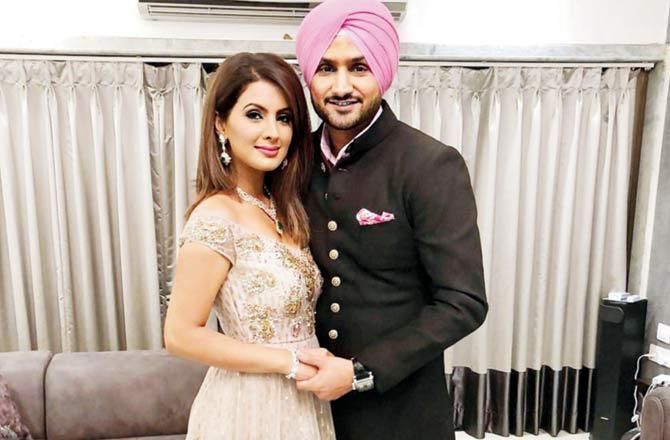 Harbhajan Singh, wife Geeta Basra to distribute ration to 5,000 families