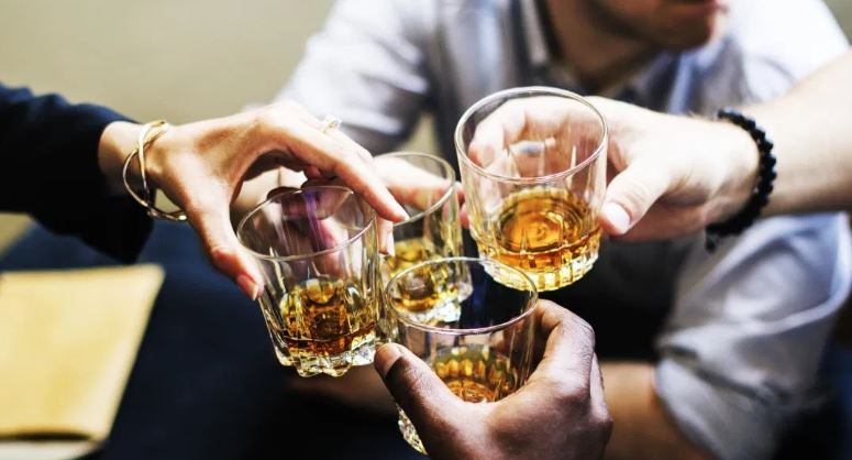 Heavy drinking in old age can add 4 cm to waistline & increased stroke risk in men