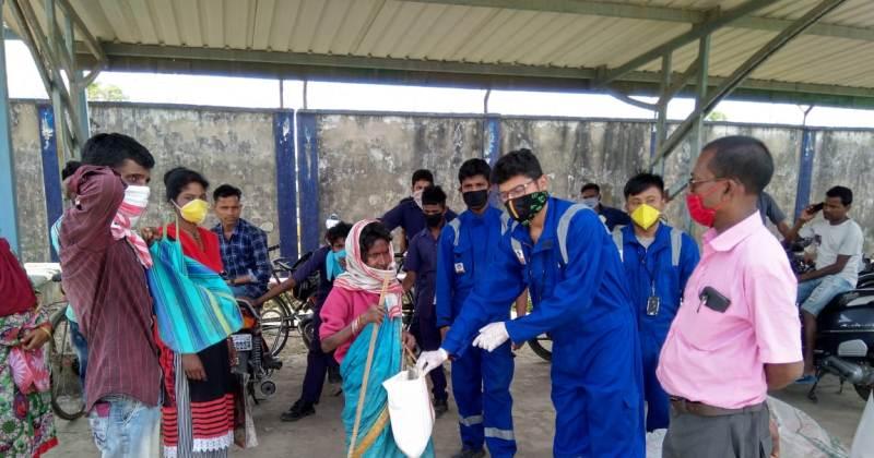 Bharat petroleum NRL unit distributed Relief items to Lettekujan Tea Estate