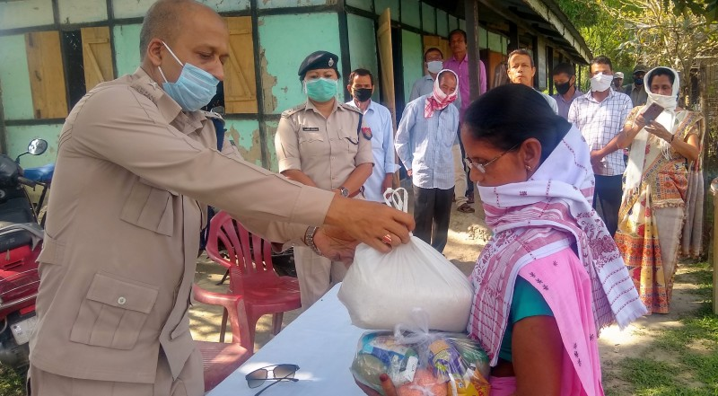 Darrang Police reach out to help teachers of non-provincialized schools